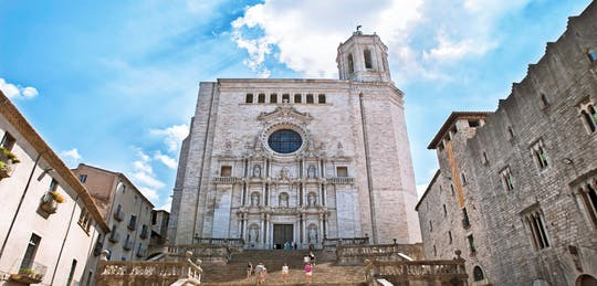 Girona and Dali Museum in Figueres private tour from Barcelona