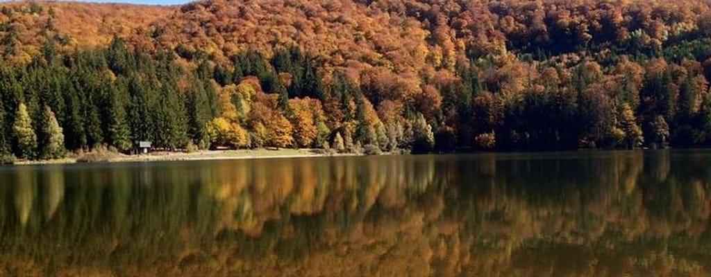 Jednodniowa wycieczka w małej grupie do jedynego wulkanicznego jeziora w Europie Wschodniej