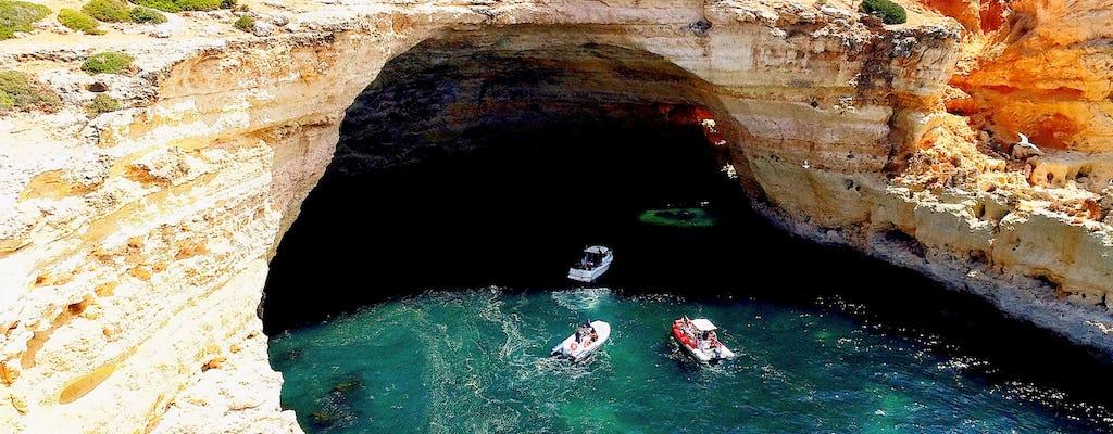 Circuit des grottes et bateau privé touristique sur la côte au départ de Portimão