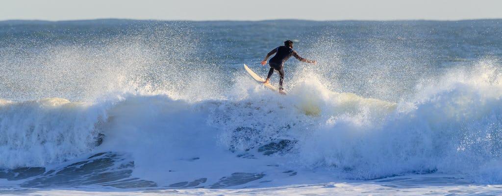 Clase de surf en la playa de Carcavelos