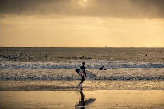 Privé surfles op het strand van Carcavelos