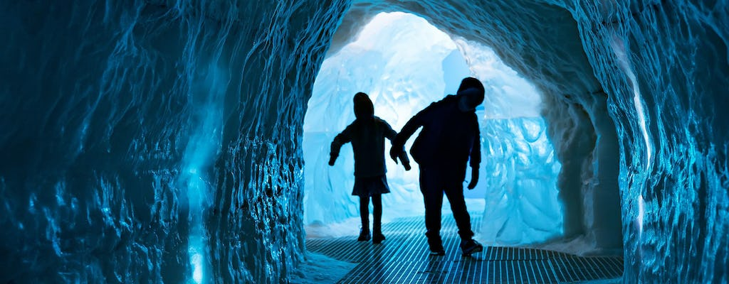 City Sightseeing hop-on hop-off and Wonders of Iceland