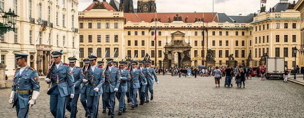 Introductory tour of Prague Castle with ticket