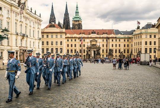 Visita introductoria al castillo de Praga con entrada incluida