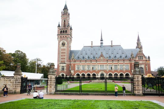 Enter The Hague 3-hour bike tour