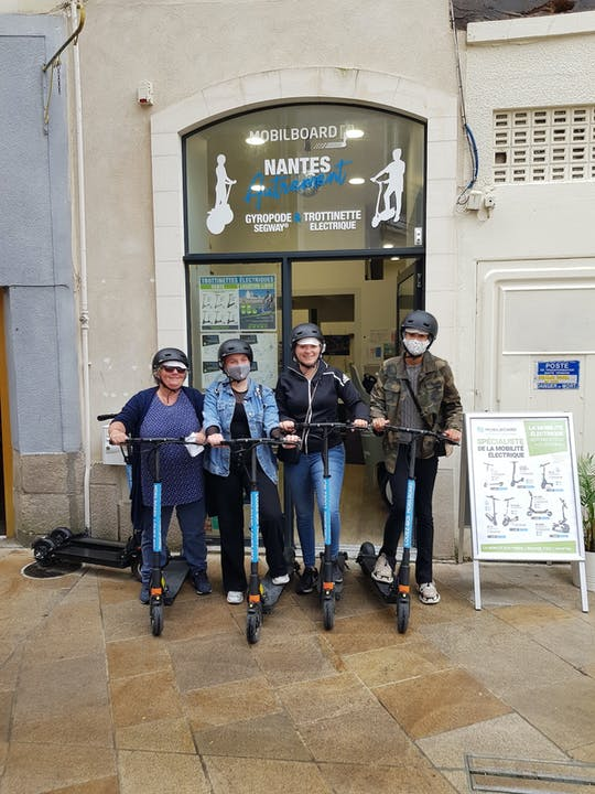 E-scooter rental in Nantes for 1 hour, 2 hours,  3 hours, or 4 hours