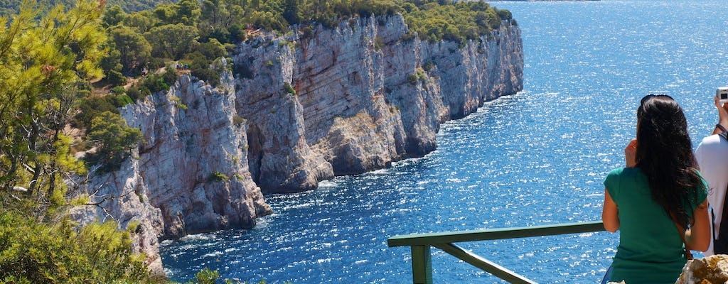 Private island hopping tour by speedboat from Zadar