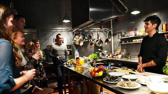Interaktywne hiszpańskie doświadczenie kulinarne w Barcelonie