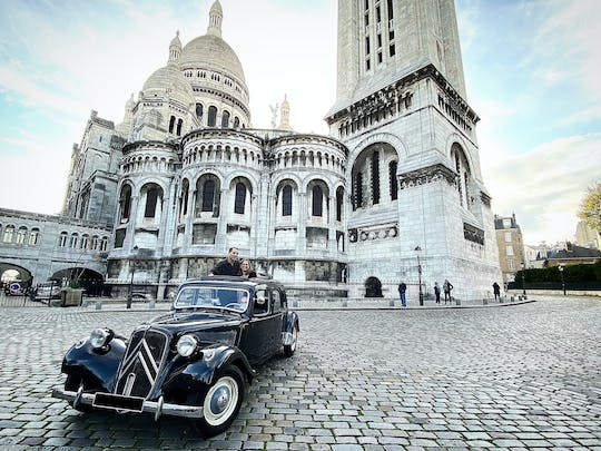 Romantic tour in Citroën Traction with open roof