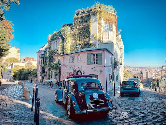 3-hour guided tour of Paris in French vintage car