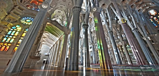 Park Guell and Sagrada Familia private tour with hotel pick-up