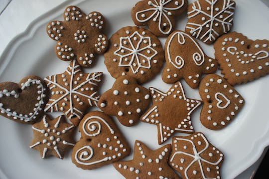 Polish gingerbread cookies baking and decorating class