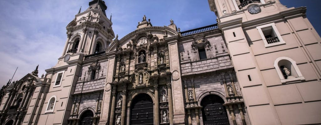Lima guided tour with Larco Museum and Casa Aliaga