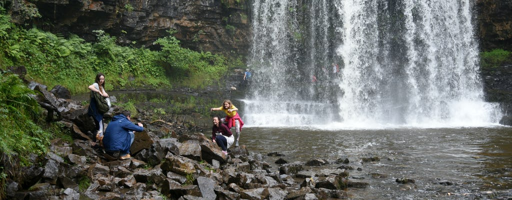 Wycieczka piesza po kultowej Dolinie Czterech Wodospadów