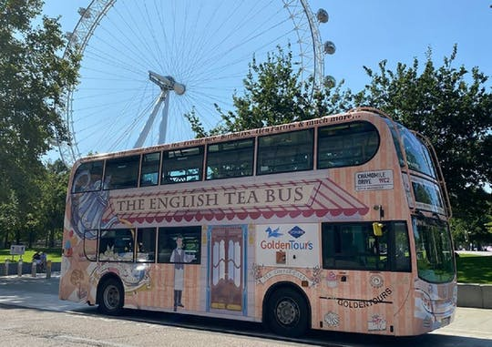 Panoramic London bus tour with dessert and wine