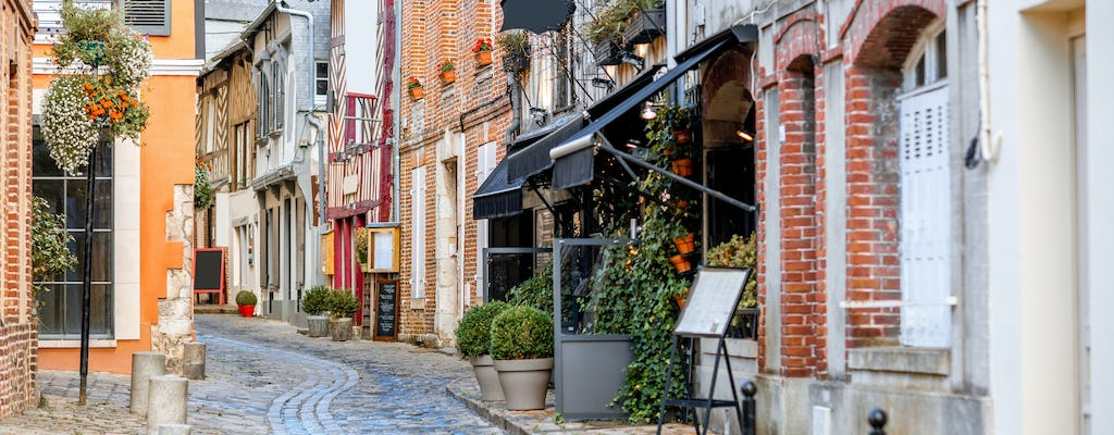 A 1.5-hour private walking tour of Honfleur