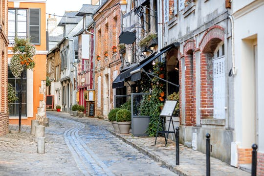 Un recorrido a pie privado de 1,5 horas por Honfleur