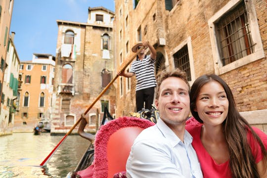 Venice private gondola tour