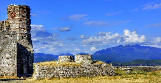 Шкодер однодневную поездку из Тираны
