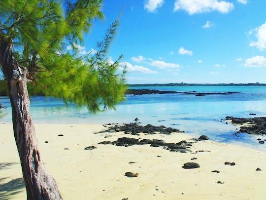 Passeio de caiaque no mar da Maurícia em Île D'Ambre