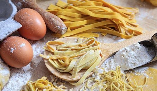 Zajęcia z robienia makaronów, degustacja win i kolacja we Frascati