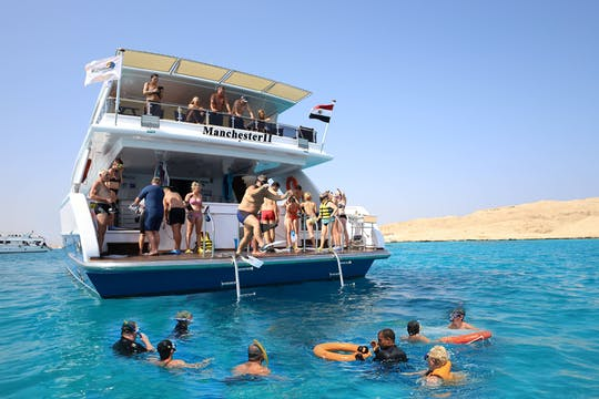 Classic family Red sea cruise experience