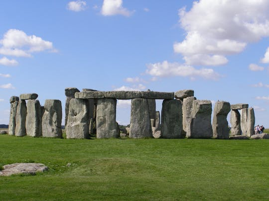 Salisbury and Stonehenge day tour from Southampton