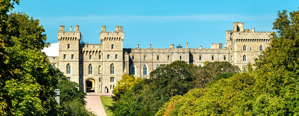 Private transfer from Southampton to London via Windsor Castle and Stonehenge