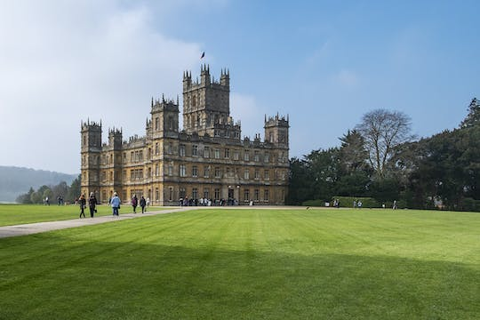 Privévervoer van Southampton naar Londen via filmlocaties Highclere Castle en Downton Abbey