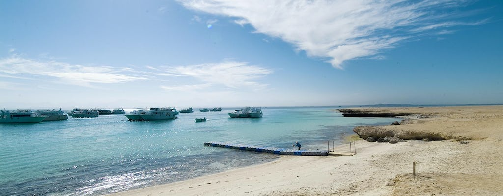 Full-day Paradise island tour from Hurghada