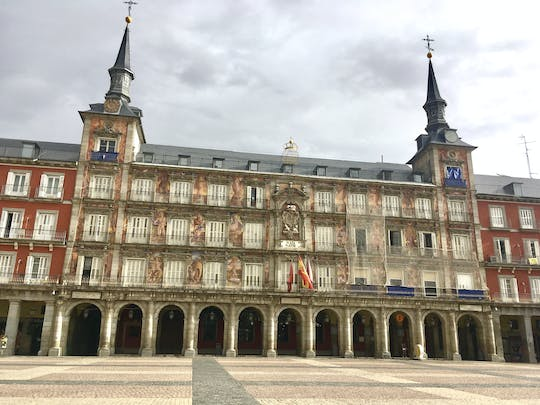 Hidden and historical gems of Madrid exploration game and tour