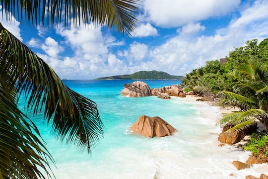 15 or 30-minute La Digue and Praslin helicopter tour from La Digue