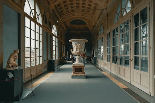 Uffizi ticket entrance and open bus tour of Florence