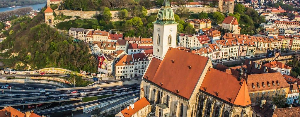 Rondleiding door het kasteel op de Presporacik Oldtimer in Bratislava en toegangsbewijs