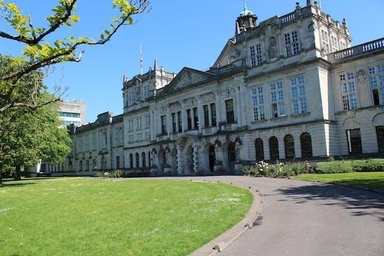 Tour privato di un giorno a Cardiff con il St Fagans Museum, il Castello di Cardiff e la Baia di Cardiff