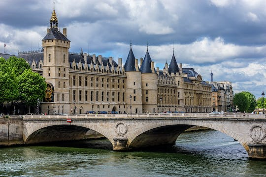 Combo tickets for Conciergerie and Seine River Cruise