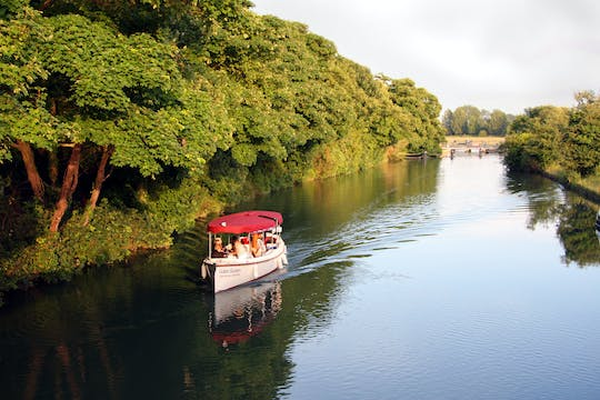 Oxford scenic sightseeing cruise with picnic