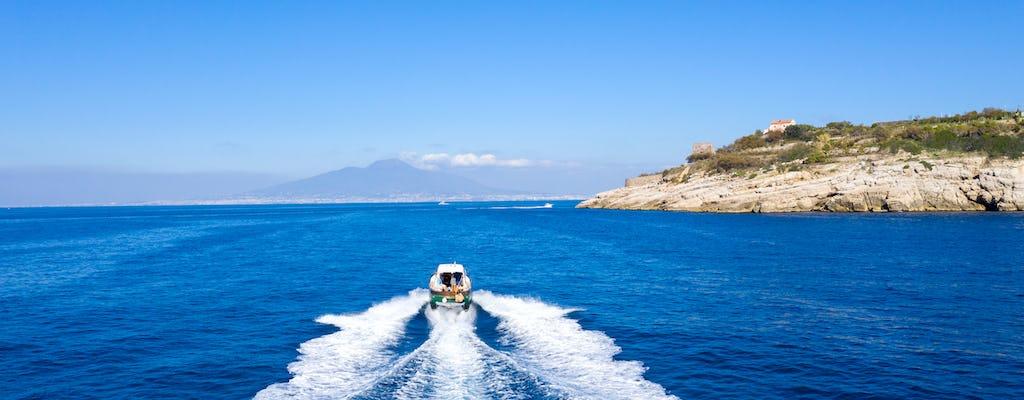 Paseo en barco por la costa de Sorrento con aperitivo