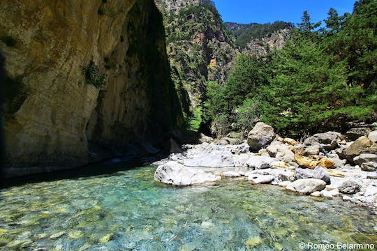 High-level guided tour of Samaria gorge from Chania