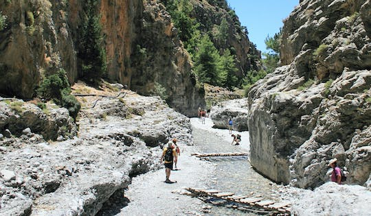 Easy guided tour of Samaria gorge from Chania