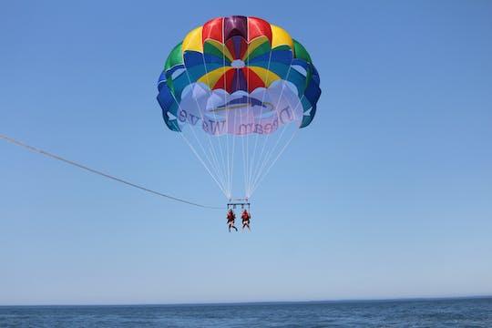 Experiencia de parasailing en Albufeira