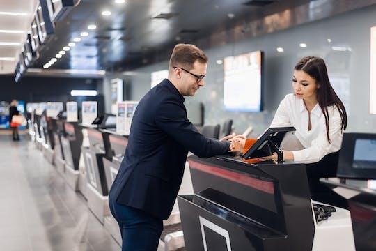 Autorización de vía rápida con asistencia en el aeropuerto de Sharm