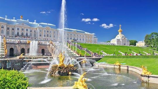 Tour naar het grote paleis van Peterhof vanuit Sint-Petersburg
