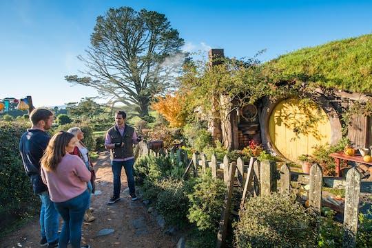 Rotorua nach Auckland über Hobbiton und Waitomo