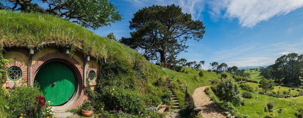 Rotorua nach Auckland über Hobbiton Filmset mit Mittagessen