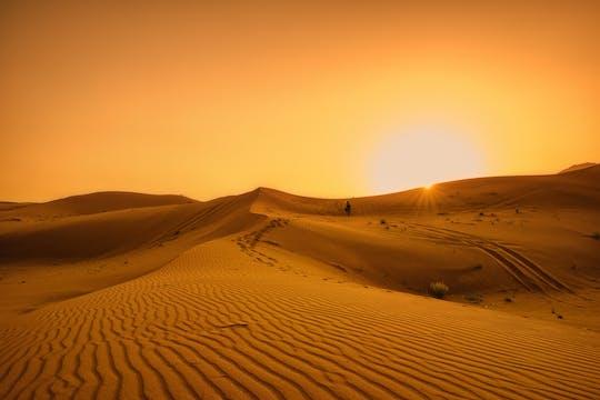 Safári com jantar nas dunas no Bassata Camp de Ajman