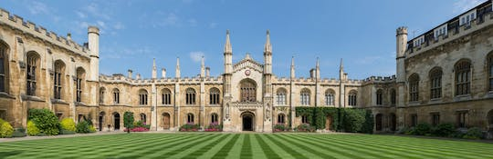 Take in Cambridge Colleges classic sights on a self-guided audio tour
