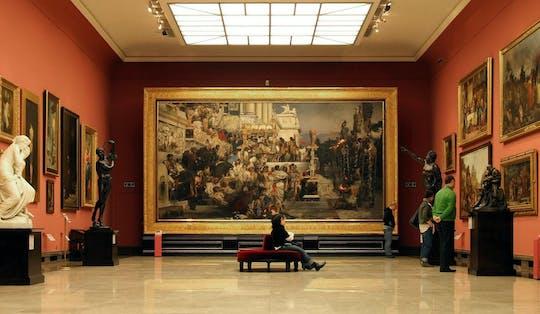 Visita guidata privata della città vecchia di 2 ore con biglietti salta fila per il Museo Nazionale