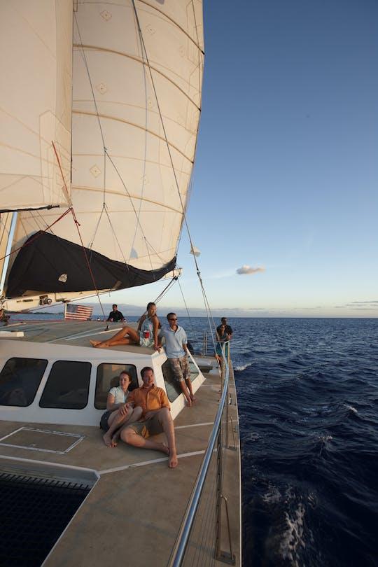 Coquetel de cruzeiro ao pôr do sol em Waikiki