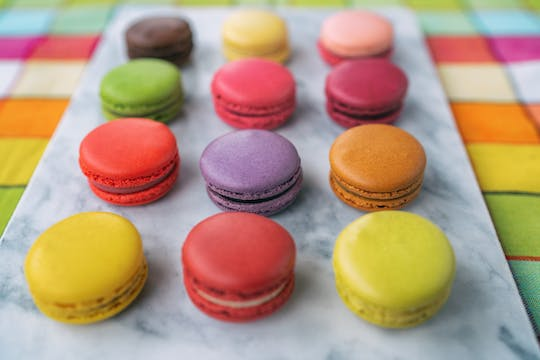 Chocolate, pastries and macaron tasting tour in Paris